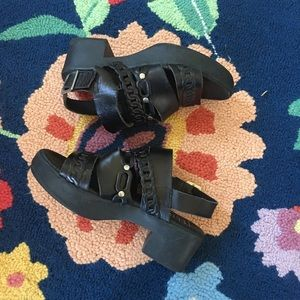 [Anthropologie] Eeight chunky heel leather sandals